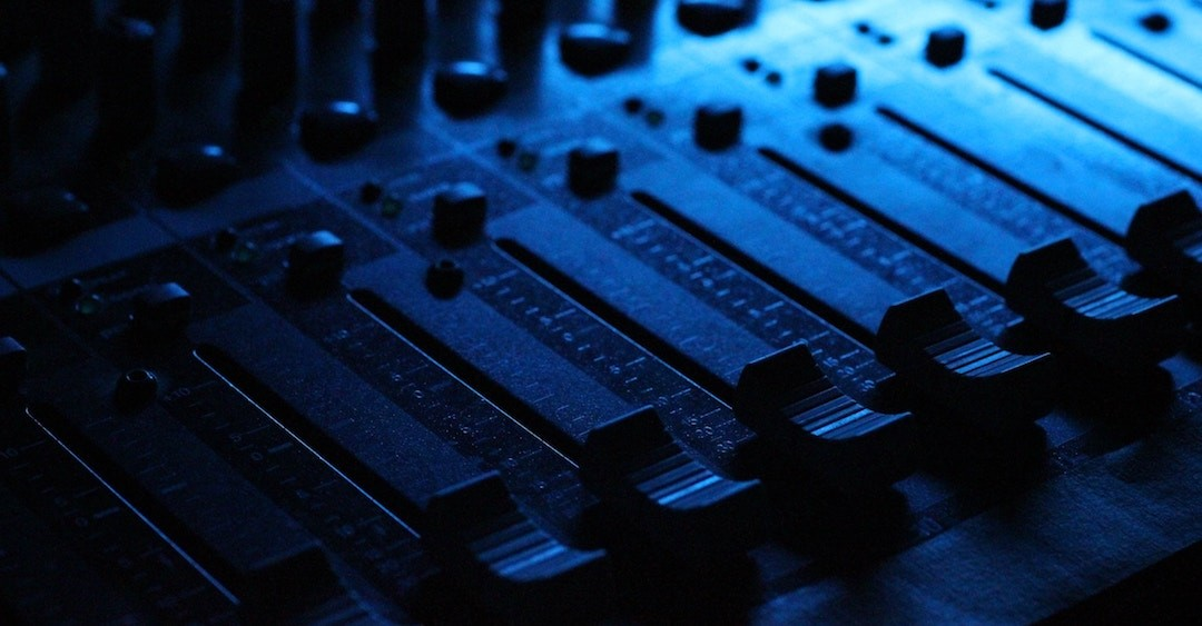 iZotope – 10 Tips for Mixing Pop Music