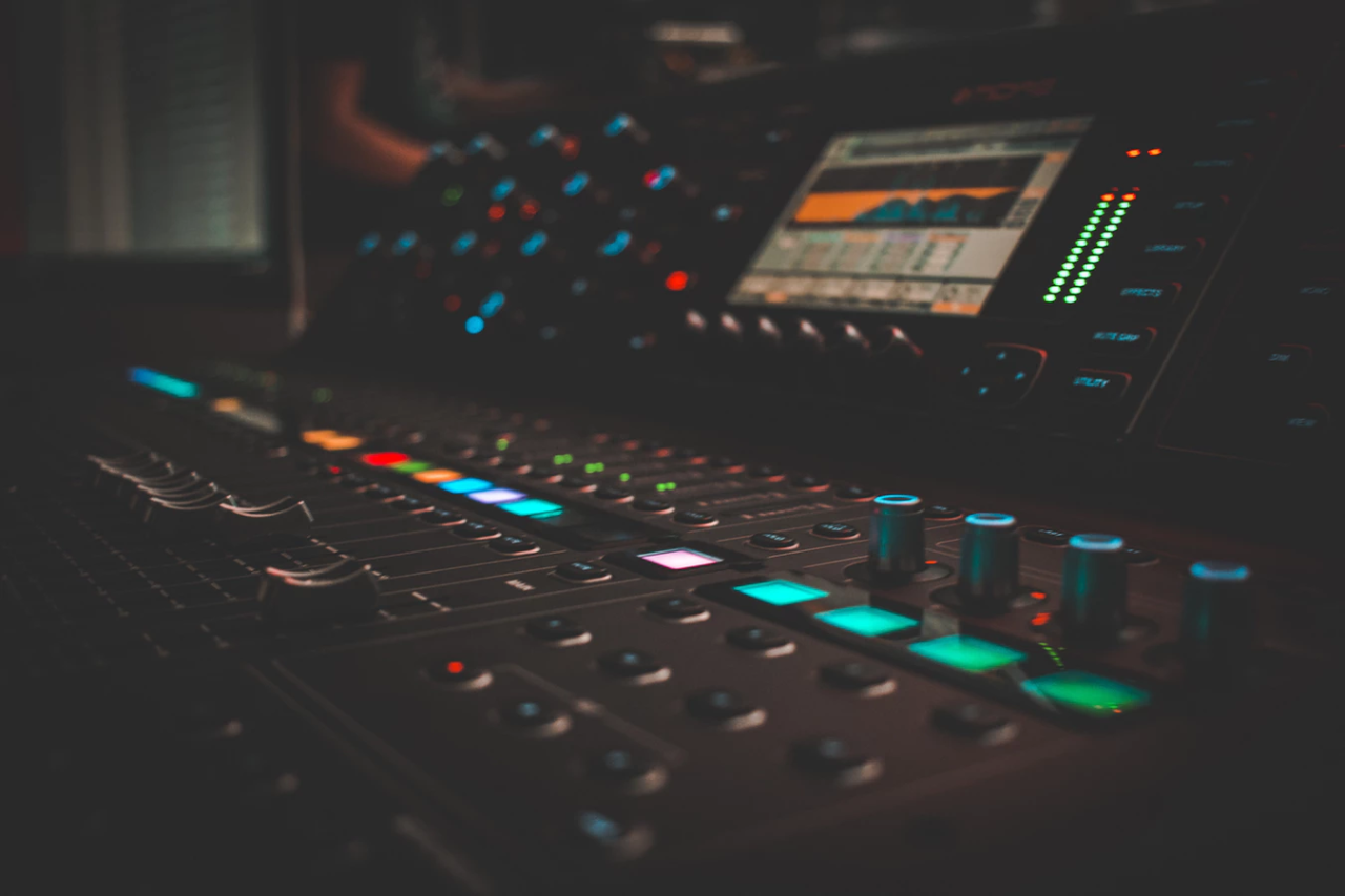 Mixing While Producing Music – Good or Bad Idea?