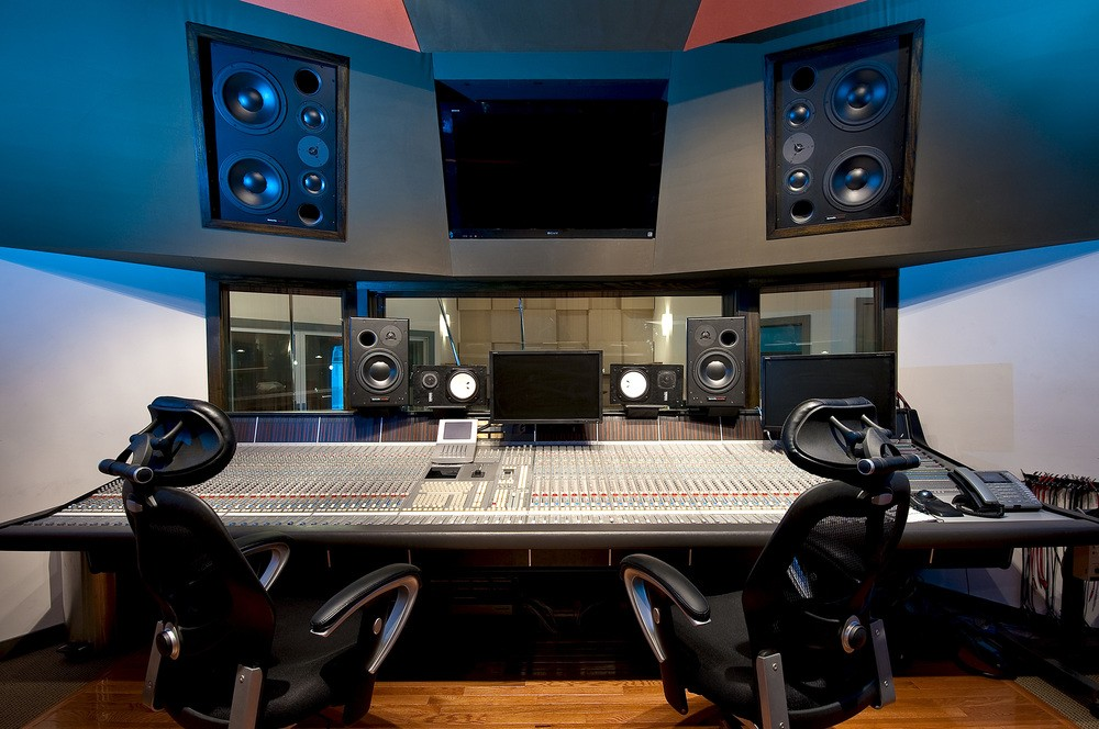 What Is Mix Depth? How to Create Front-Back Space